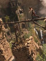 Rise of the Tomb Raider - Screenshot - Lara balanciert