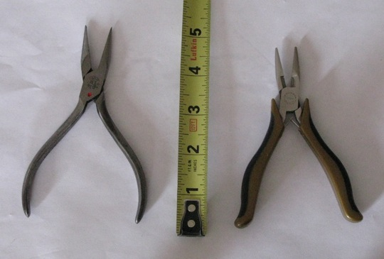 File:2 Pairs Micropliers with Rule 20120619 JSCC.jpg