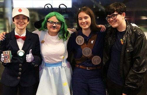 19-8-10 Costumes