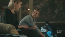 TG-Caps-1x08-threat-of-eXtinction-56-Esme-Caitlin