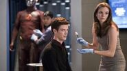 """The Flash After Show Season 1 Episode 2 """"Fastest Man Alive"""" AfterBuzz TV"""