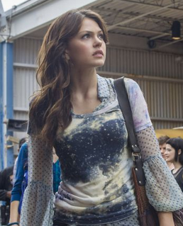 2014-02-13 16 47 58-'Star-Crossed' review Love, minus the poetry, for tweens - SFGate