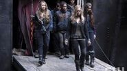 """The 100 After Show Season 1 Episode 13 """"We Are Grounders, Part 2"""""""" AfterBuzz TV"""