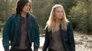 """The 100 After Show Season 1 Episode 5 """"Twilight's Last Gleaming"""" AfterBuzz TV"""