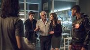 The Flash Season 2 Episode 4 Review & After Show AfterBuzz TV