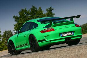Porsche-gt3-rs1
