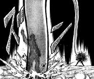Ichiryuu dodging Midora's tongue attack