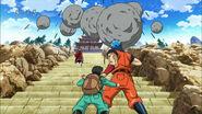 Shokurin Temple attacking Toriko and Komatsu