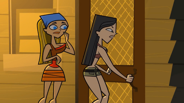 File:TDI Heather and Lindsay.PNG
