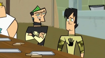 S02E02-Duncan śmieje sie z Trenta