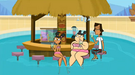 S01E22 Katie, Sadie i Noah na basenie