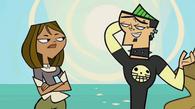 S03E00 Courtney i Duncan w czołówce