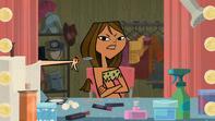 S02E14 Heather ucina włosy Courtney