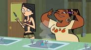 S01E17 Heather i Leshawna w łazience