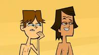 S01E02 Cody i Noah obserwują kłótnie LH