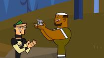 S01E11 Duncan wręcza DJ'owi zajączka