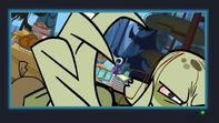 S05E09 Ezekiel atakuje kamerę
