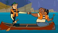 S01E21 Duncan i Leshawna w canoe