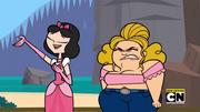 Sugar niewytrzymuje Elli śpiewania