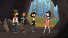 Ella śpiewa w jaskini