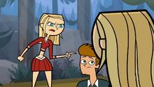 Samey przeciwstawia się Amy