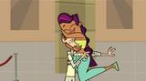 S03E09 Sierra przytula Cody'ego