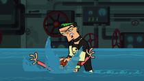 S02E10 Duncan wciska Harolda pod wodę