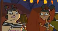 S01E03 Katie i Sadie przerażone zachowaniem Evy