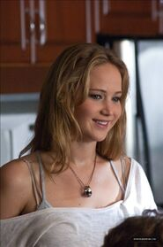 Jennifer-as-Elissa-in-House-at-the-End-of-the-Street-HQ-movie-stills-jennifer-lawrence-31976660-680-1024