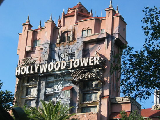 File:The-hollywood-tower-hotel.jpg
