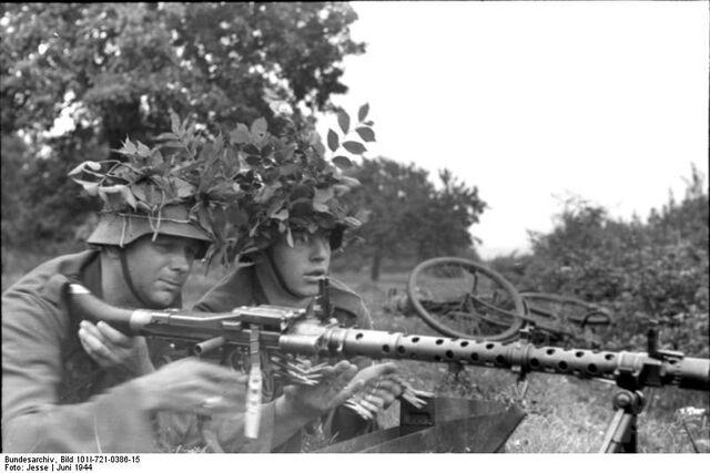 File:Bundesarchiv Bild 101I-721-0386-15, Frankreich, Soldaten mit MG 34.jpg