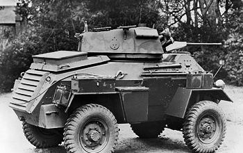 IWM-MH-3709-Humber-Armoured-Car