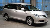 Toyota Estima hybrid 01