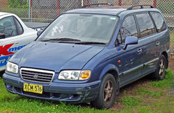 2000-2004 Hyundai Trajet (FO) GLS van 01