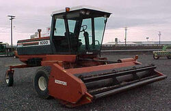Hesston 8200 swather - 1990