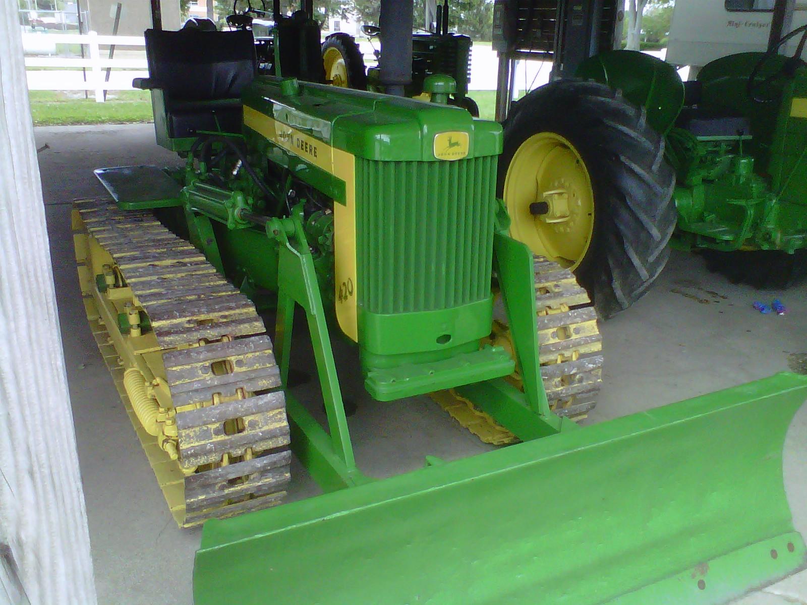 John Deere Wikipedia >> John Deere 420 Crawler Tractor Construction Plant Wiki