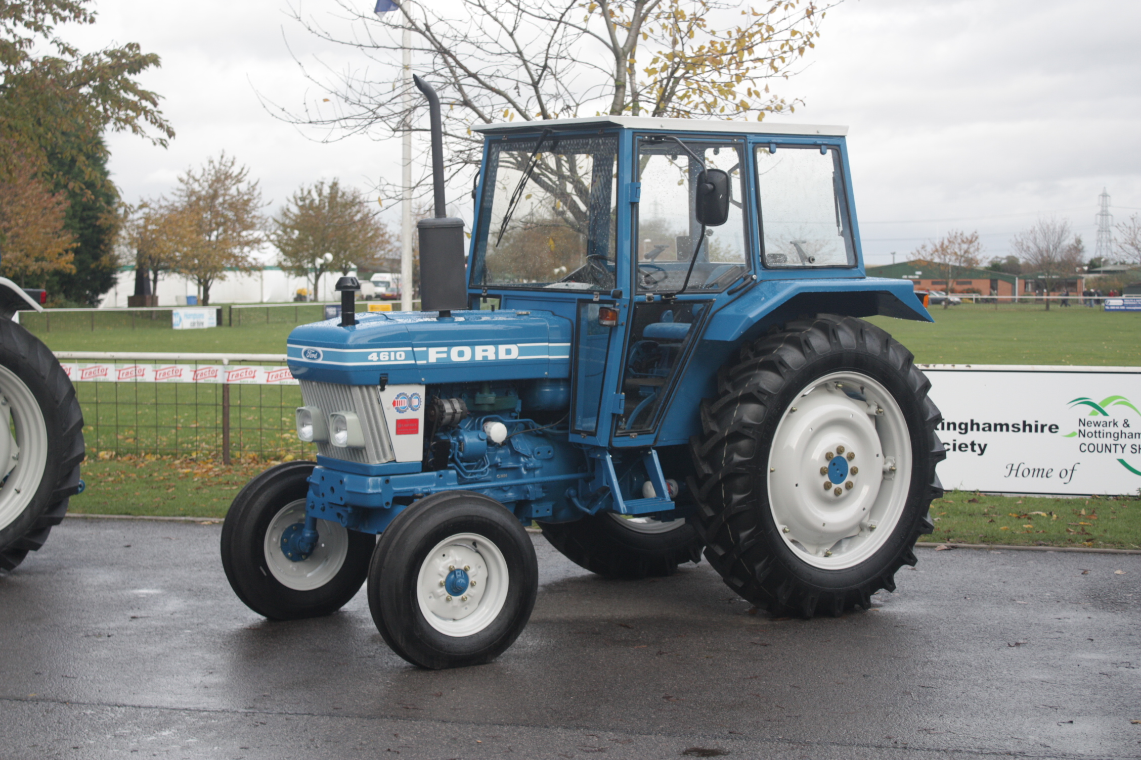 ford 4610 tractor construction plant wiki fandom powered by wikia rh tractors wikia com ford 4610 tractor repair manual ford 4610 tractor workshop manual