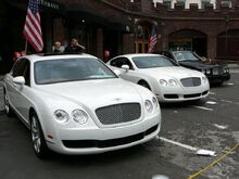 SC06 Three Modern Bentleys