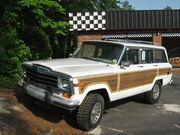 Jeep Grand Wagoneer white NC f
