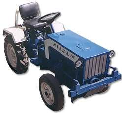 Nissan tractor-2004