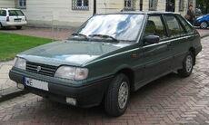 FSO Polonez Caro green LF.jpg