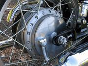 W800 drum brake