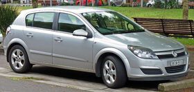2004-2006 Holden AH Astra CDX 5-door hatchback 02