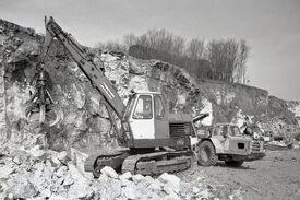 876 Report. S.O. Poclain TC45+Camill Haute-Marne 03 64 10x15