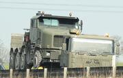 Oshkosh HET tractor - cropped - IMG 8113