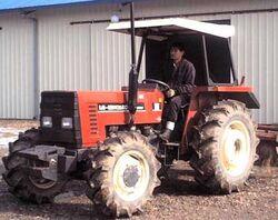 LG-New Holland 55-66 MFWD-2001