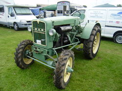 MAN 4-WD tractor -Driffield- P8100528