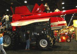 MF 9795 combine - 2010
