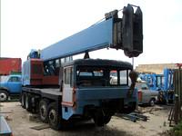 VICKERS-AWD Smith LT-30 Cranetruck under restoration