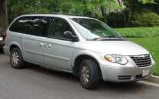 05-07 Chrysler Town and Country LX 1.jpg